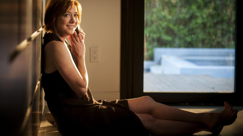 Alyson Hannigan stars in MODERN LOVE Photo: Andrew Hreha © Modern Love, LLC.