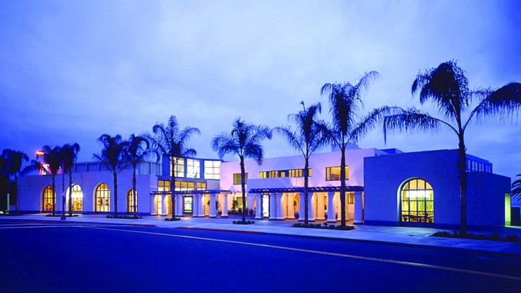 MCASD-La-Jolla-Theater-Outside