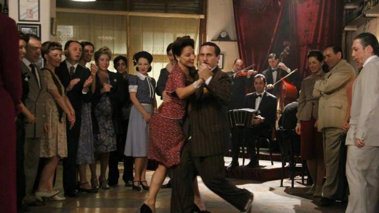 glories of tango dancing couple