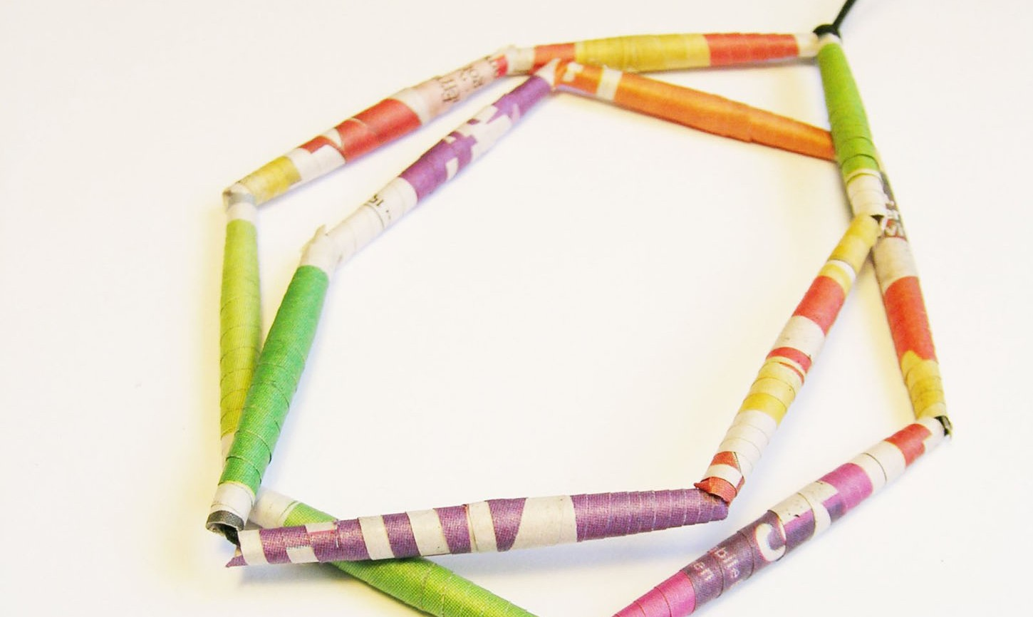 Upcycling_with_EthicalMakersMovement_paper_beads_